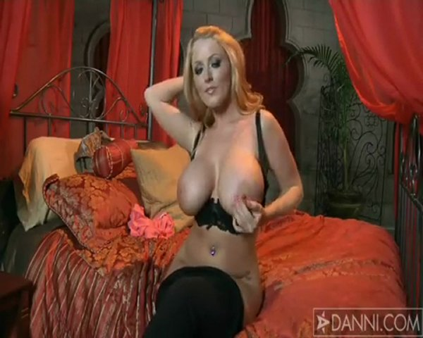 Sophie Dee | PopScreen