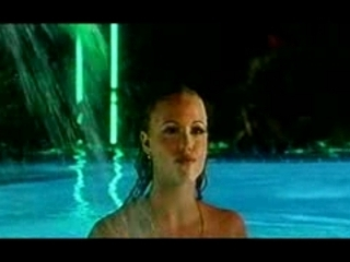 SHOWGIRLS - 1995 - SWIMMING POOL - Elisabeth Berkley | PopScreen