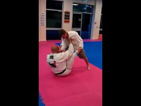 Basingstoke MMA Martial Arts - Sacrifice throw and groundwork tutorial | PopScreen