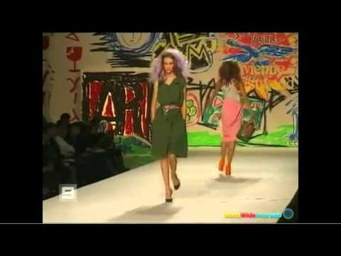 The Ultimate Runway Model Fails Compilation | PopScreen