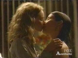 Calista Flockhart Lesbian Kiss 76