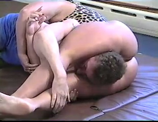 Sally's muscle-bound legs squeeze man into submission | PopScreen