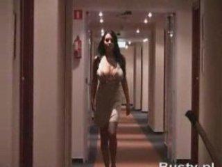 Ewa Sonnet corridor walk | PopScreen