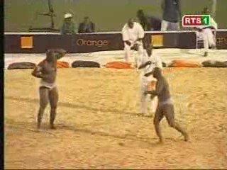 Balla Gaye 2 vs Moustapha Gueye | PopScreen