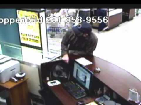 SUSPECT'S THREATS CAPTURED BY STORE SURVEILLANCE | PopScreen