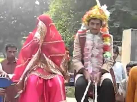 Funny Clip In Pakistan 2011 70