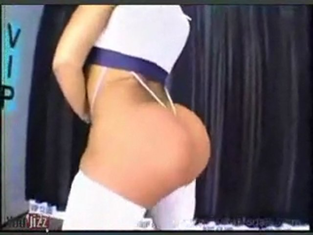 Big Ass Pole Dance_xvid | PopScreen