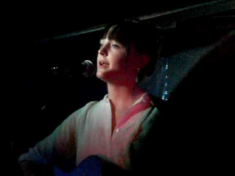 Laura Marling live in Berlin (Privatclub) 01.04. 2010 - new song called
