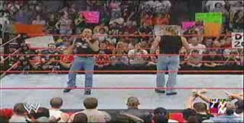 WWE RAW - DX returns | PopScreen