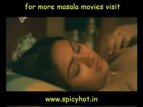 Hot mallu Reshma in kissing scene | PopScreen