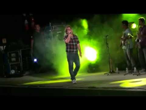 Entrada de Tayrone Cigano no palco do Do Bó Fest House PTN (Amarelinho10) | PopScreen