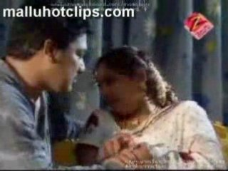 Aunty Wearing Hot Blouse Mallu Sey Bedroom Scene