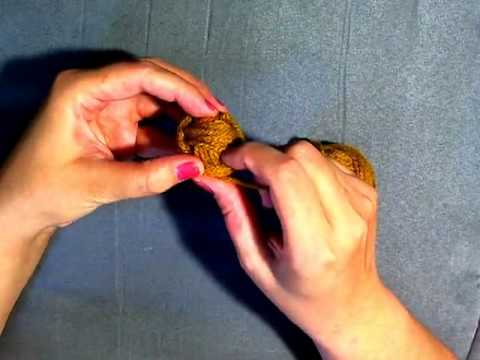 Learn to Crochet - How to wrap a ball of yarn tutorial