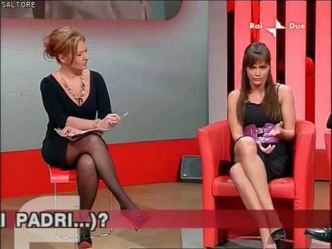 Roberta Giarrusso MOLTO SEXY GAMBE STUPENDE MERAVIGLIOSE!!!!! | PopScreen