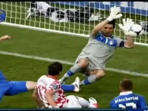 2012/06/14 Italija (1-1) Hrvatska publika golova reprodukcije | PopScreen