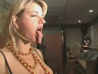Vicky Vette's Amazingly Long and Facinating Tongue | PopScreen