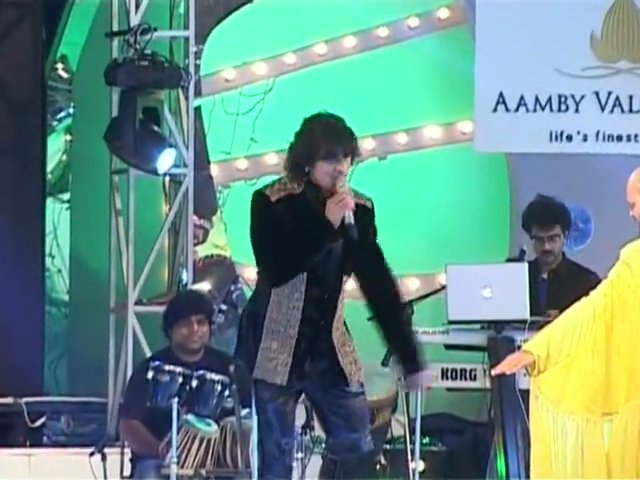 Bollywood Celebrities New Year Performance - Sonu Nigam
