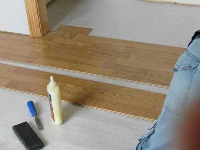 Laminate flooring installing laminate flooring closet for Ispiri laminate flooring