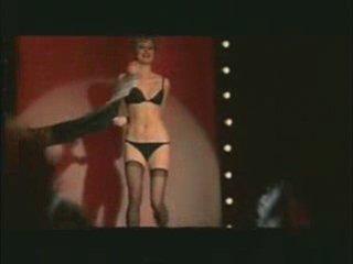 TR: Trans. : Fw : TR: Tr : Fw: strip tease spécial | PopScreen