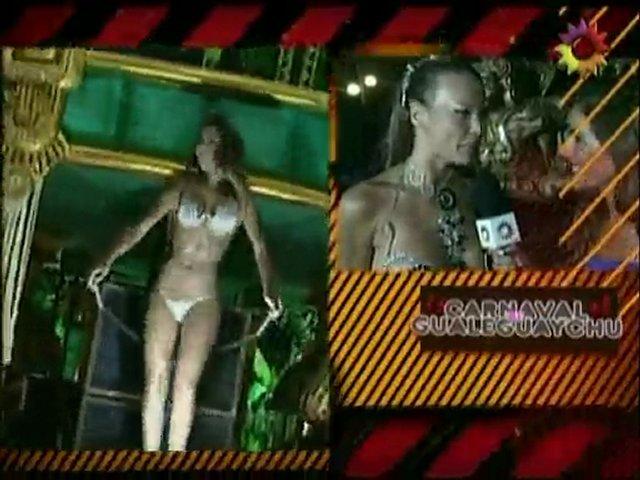 Cinthia Fernandez en tanga en el carnaval Gualeguaychu 2010 | PopScreen