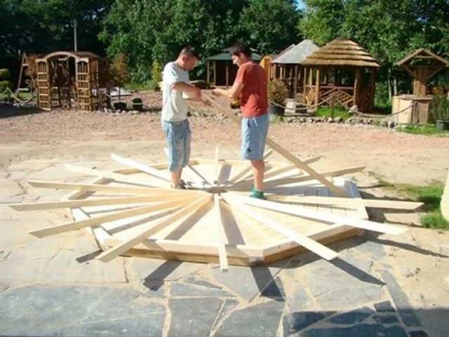 Montage d'un kiosque en bois MAISONS FUTAIE PopScreen # Construire Un Kiosque En Bois