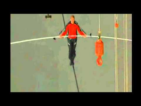 Nick Wallenda WALKS ACROSS Niagara Falls - Man Walks Across Niagara Falls | PopScreen