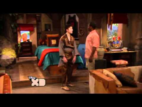 Pair Of Kings - season 3, episode 2 - The New King: The Bro-Fessor and