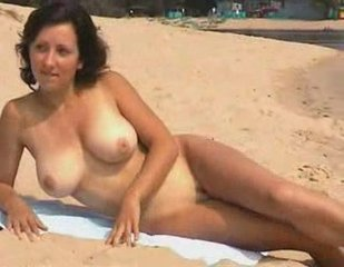 Hot nude busty girl   PopScreen