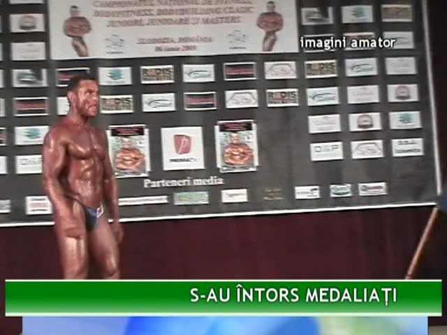 Mureşeni pe podium la Campionatul Naţional de Fitness, Bodyfitness, Bodybuilding clasic | PopScreen