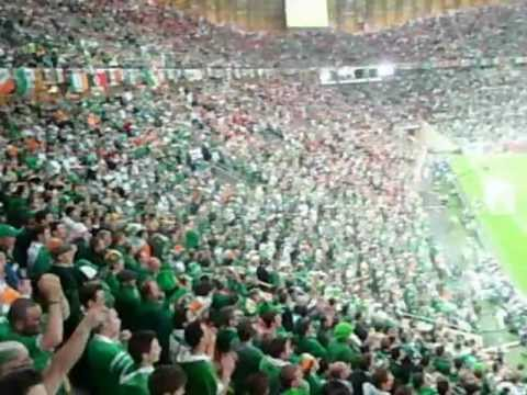 HISZPANIA-IRLANDIA EURO 2012 KIBICE IRLANDII POLSKA BIAO-CZERWONI | PopScreen