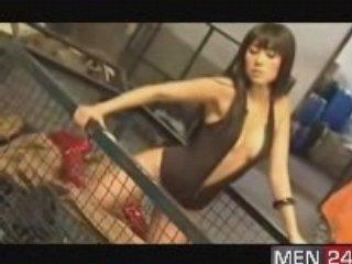Sexy Photoshoot – Daniele Suzuki | PopScreen