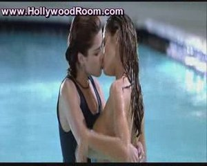 Denise Richards and Campbell in Wild Things | PopScreen