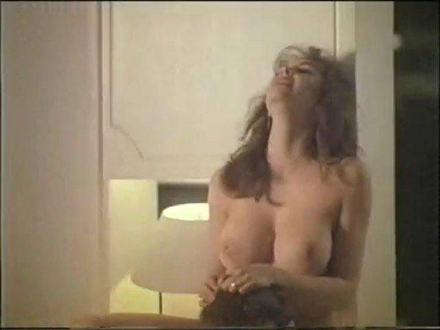 lisa kudrow nude butt