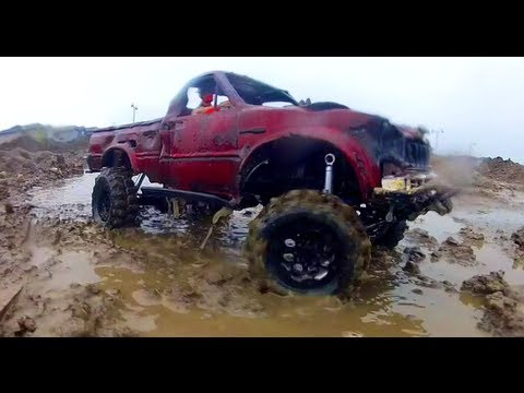 RC ADVENTURES - RAiN of TRiUMPH, ART of the SLOW CRAWL - Toyota Hilux 4X4 Truck | PopScreen