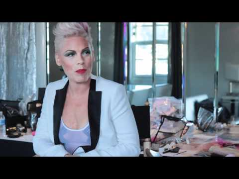 P!nk Album Announcement | PopScreen