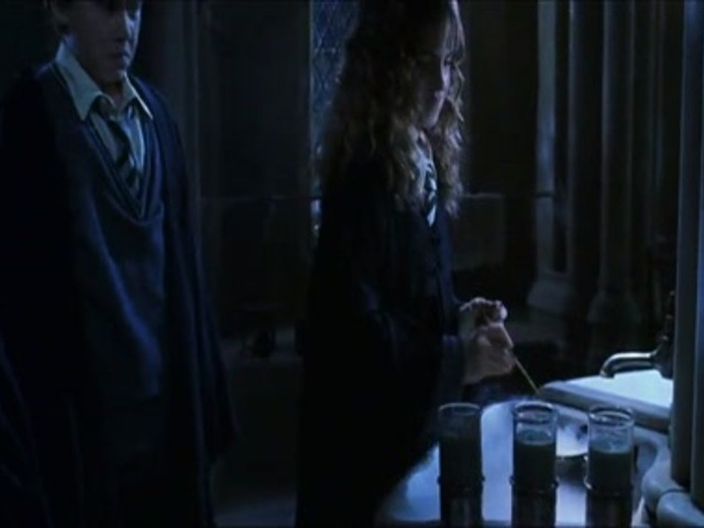 Drinking the polyjuice potion from harry potter and the for Chambre 1408 bande annonce vf