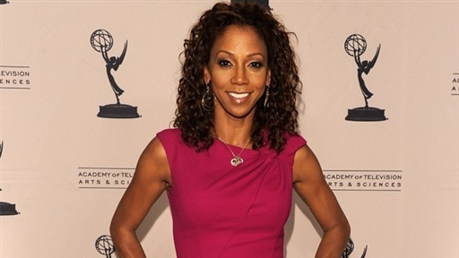 Access Hollywood _ Holly Robinson Peete: Bret Michaels Is a 'Lovely Person' | PopScreen