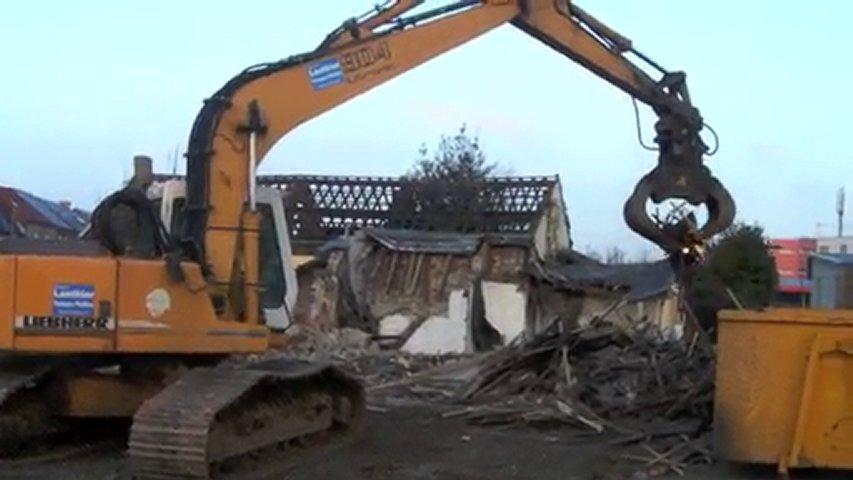 Hautmont : démolition d'une maison rue Guillain | PopScreen