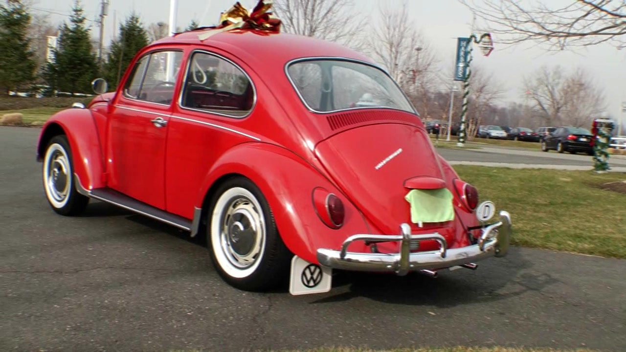 Classic Vintage 1967 VW Beetle Bug Sunroof Sedan C. Vallone | PopScreen