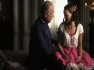 Natalie Portman upskirt | PopScreen