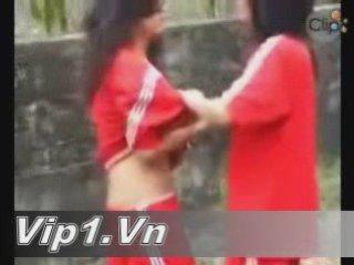 Vip1.Vn - Danh nhau coi het ca ao xong ban ra | PopScreen