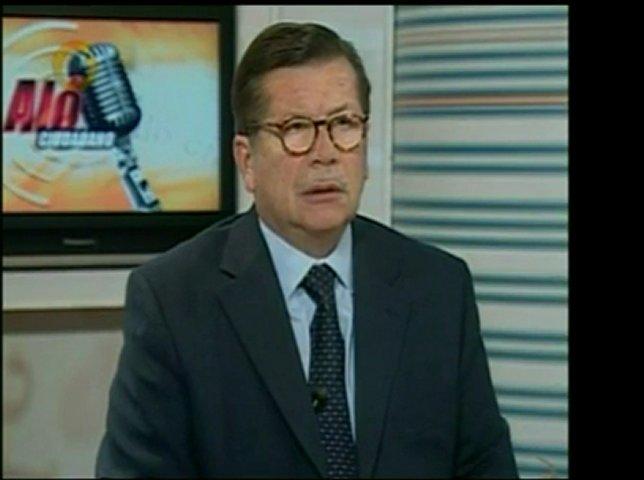 Locutor Iván Ballesteros fue citado en Fiscalía Militar por | PopScreen